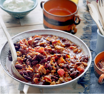 Quick and hearty turkey chili image
