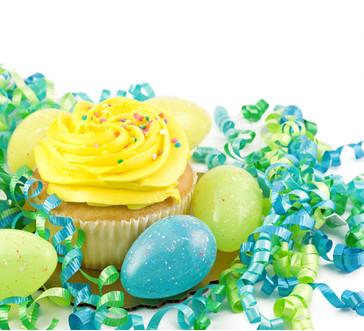 Robin's Egg Easter Basket Cupcake image