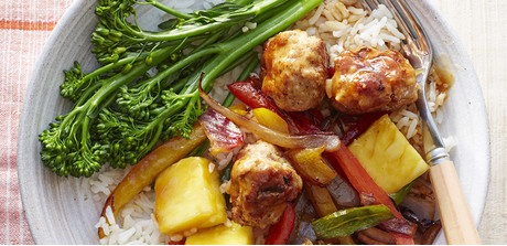Sweet and sour meatballs with peppers and pineapple - Giant Food