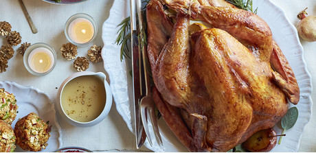 Apple-herb roast turkey with cider gravy - Giant Food