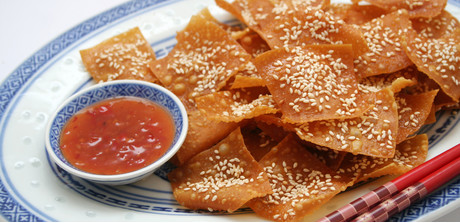 sesame wonton crackers whip up some crispy sweet sesame wonton ...