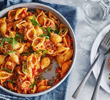 Pasta with Chickpeas image