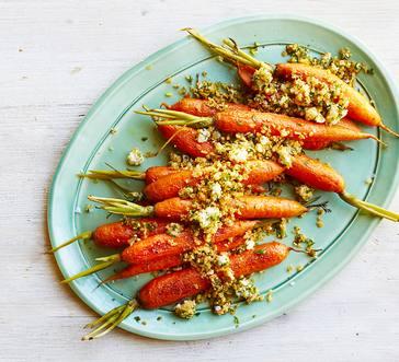 Roasted Carrots with Gorgonzola-Walnut Crumbs image