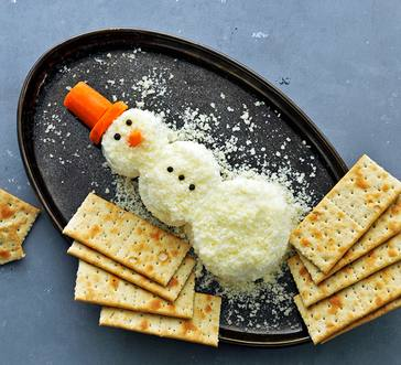 Snowman Cheese Ball image
