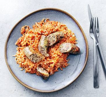 Broiled Sausages with Cheesy Tomato Rice image