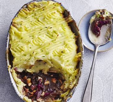 Curried Ham and Red Cabbage Pot Pie image