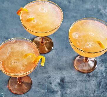 Rosé-Grapefruit Cocktail image