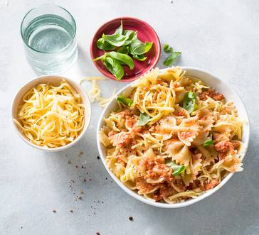 Bowtie Pasta with No-Cook Tomato Sauce image