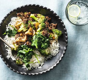 Stir-Fry with Mushrooms and Spinach image
