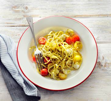 Linguine Caprese Salad with Pesto image