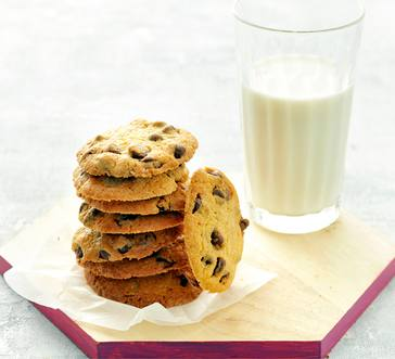 Old-Fashioned Chocolate Chip Cookies image