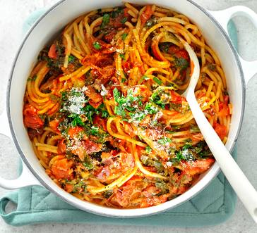 One-Pot Spaghetti with Bacon and Kale image