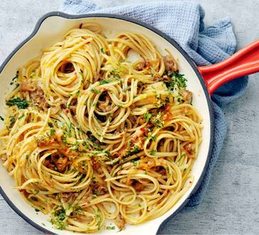 Linguine with Anchovies and Shallots image