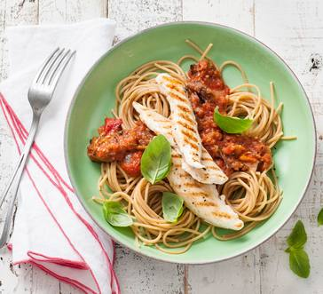 Spaghetti with Chicken and Tomato Sauce image
