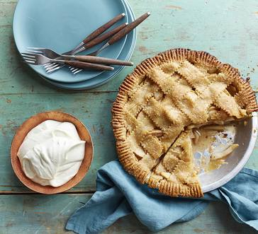 Gingery Pear and Apple Pie image