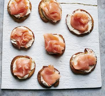 Smoked Salmon Bagel Chips image