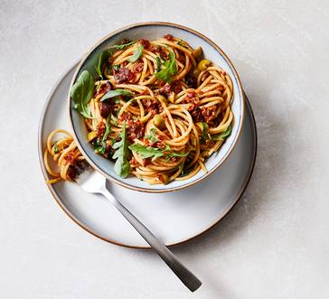 Spaghetti with Sun-Dried Tomato Pesto and Arugula image