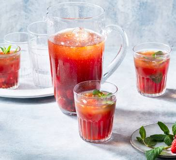 Pomegranate-Raspberry Iced Tea image