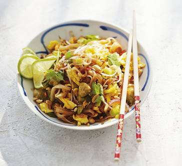 Fast Chicken Pad Thai image