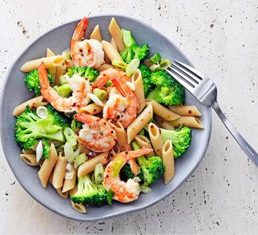 Whole-Grain Penne with Spicy Shrimp and Broccoli image