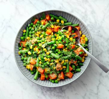 Garlic Butter Mixed Vegetables image