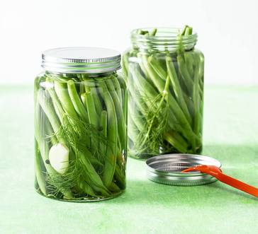 Quick Pickled Green Beans image