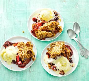 Slow Cooker Apple-Berry Crisp image