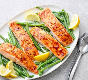 Honey-Garlic Salmon with Steamed Green Beans image