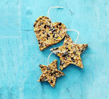 No-bake Birdseed Ornaments image