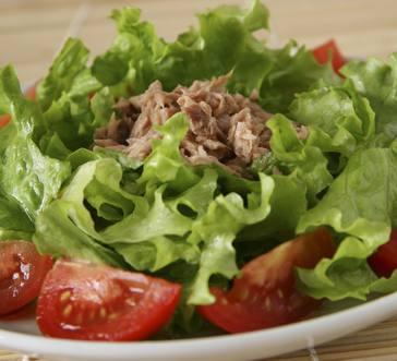 Tuna and Tomato Salad image