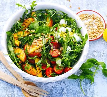 Arugula Salad with Grilled Nectarines image