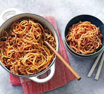 One-Pot Spaghetti withGround Beef andMarinaraSauce image
