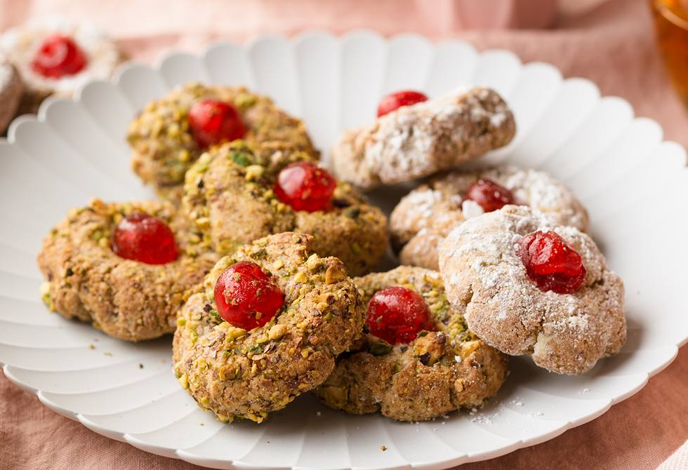 Pistachio amaretti biscuits with glacé cherries