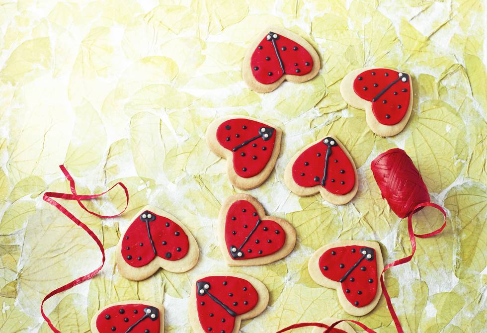 Love bug biscuits