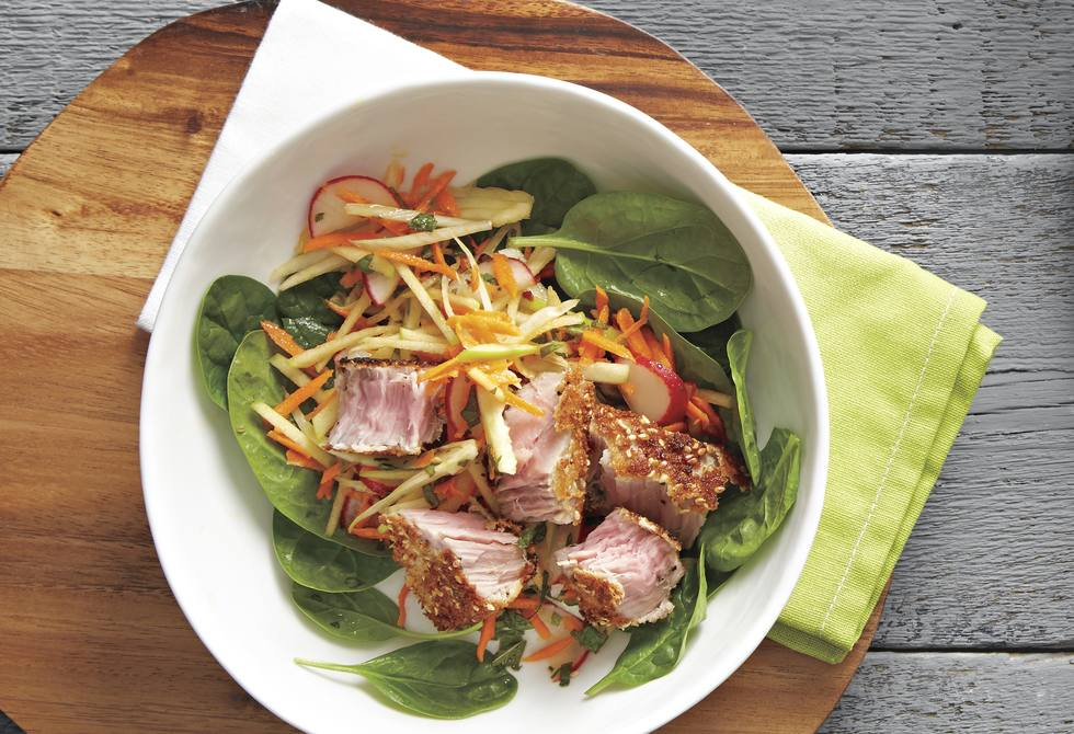 Seared sesame tuna with fennel and apple slaw