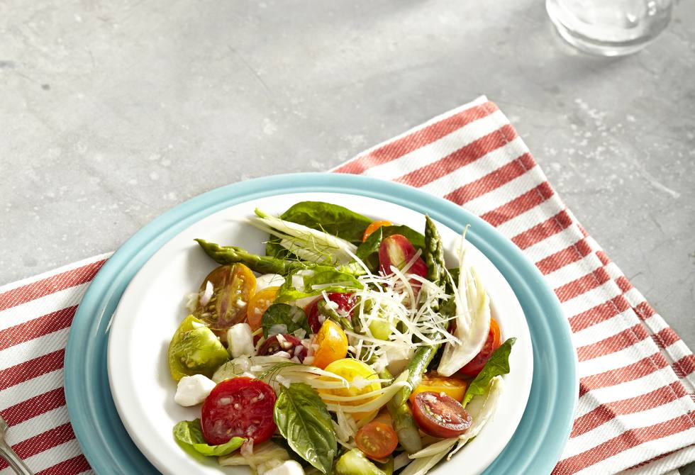 Tomato, asparagus and fennel salad