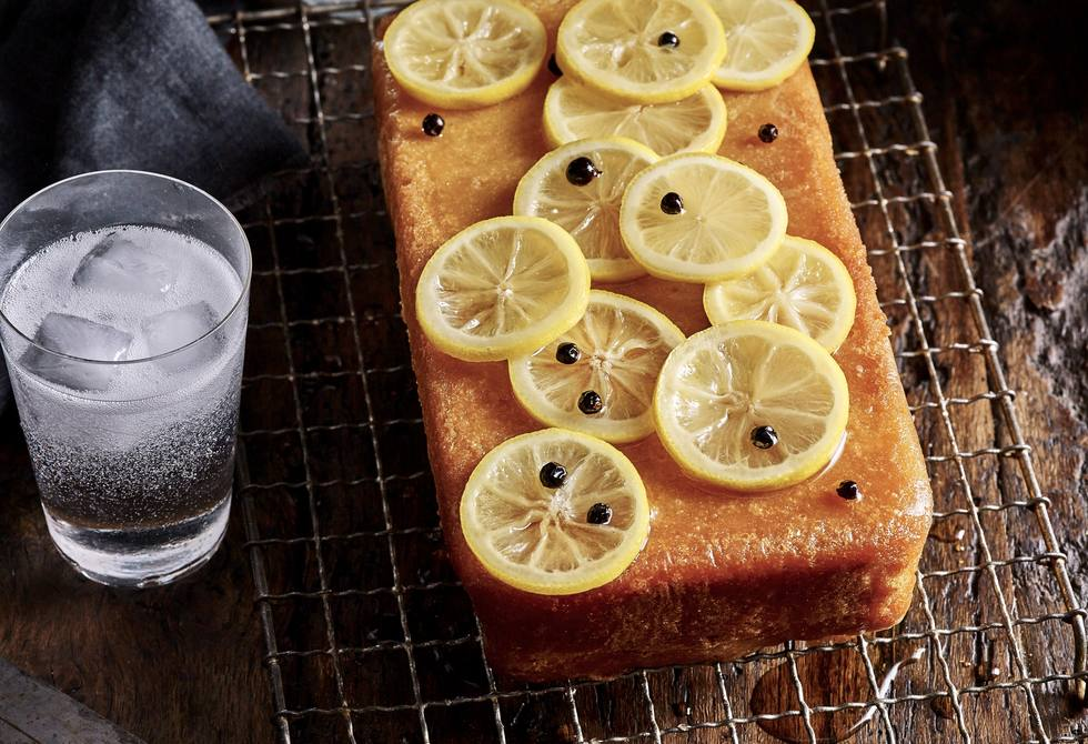 Double lemon, gin & tonic cake