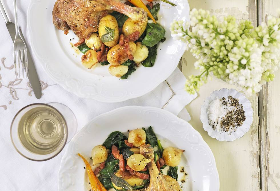 Salt duck with spinach, potatoes & bacon