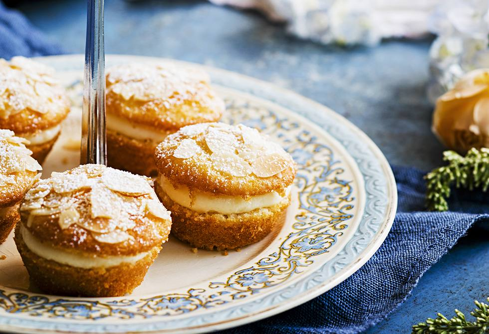 Lemon & almond cakes