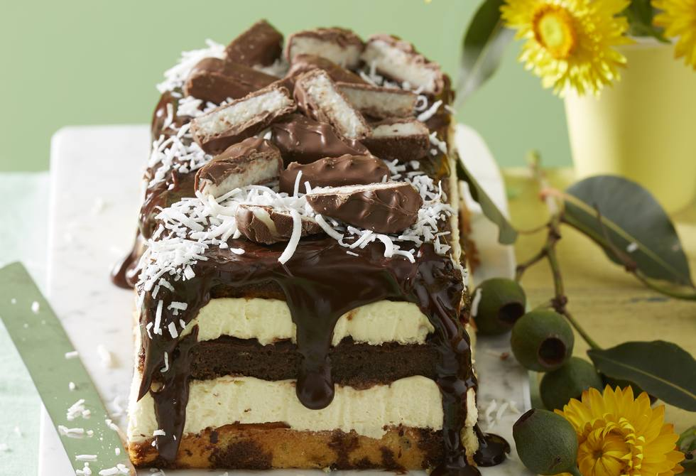 Lamington Bounty cheesecake log