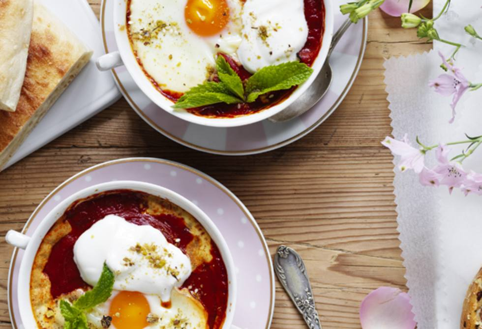 Middle Eastern baked eggs