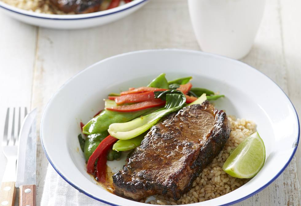 Sichuan steak with stir-fried vegetables and brown rice
