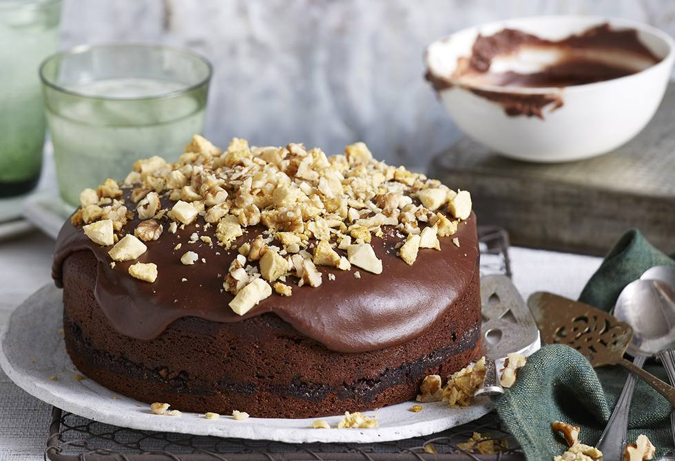 Chocolate, olive oil and walnut cake