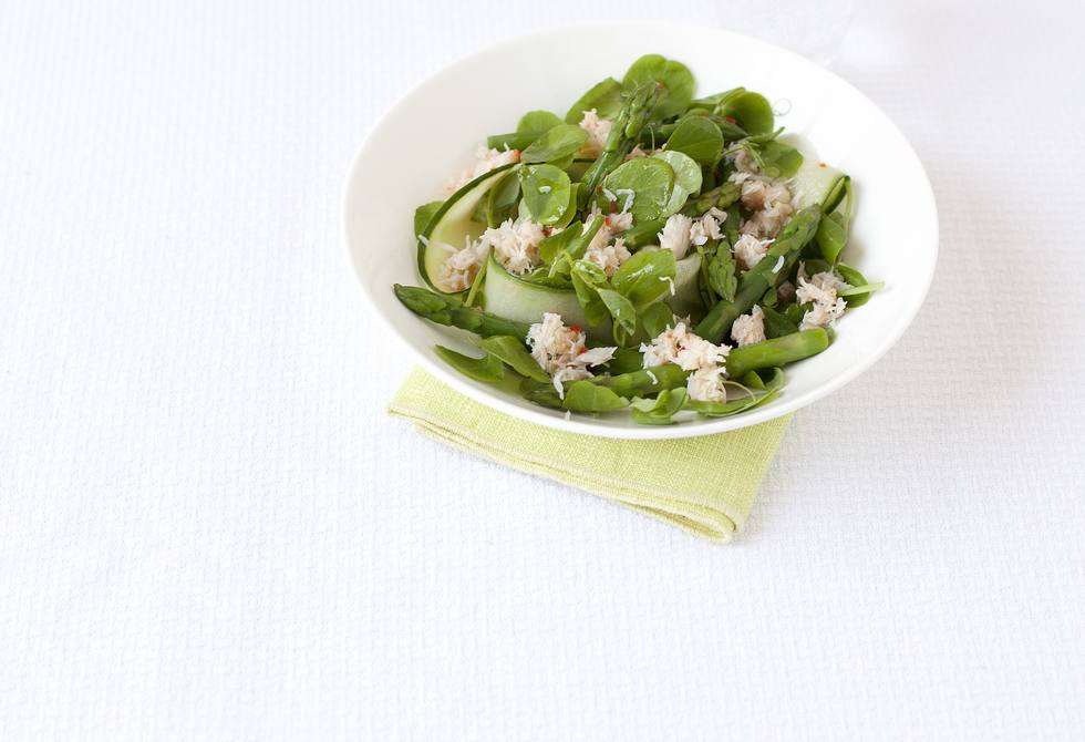 Crab & asparagus salad with chilli & lime dressing