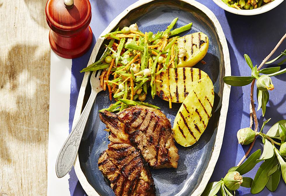 Curry-spiced barbecue lamb and potatoes