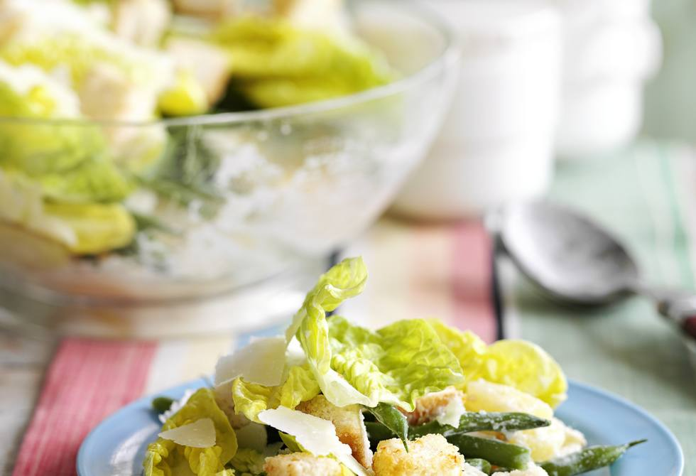 Layered salad with Parmesan croutons