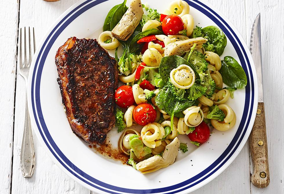 Tuscan steaks with vegetable pasta