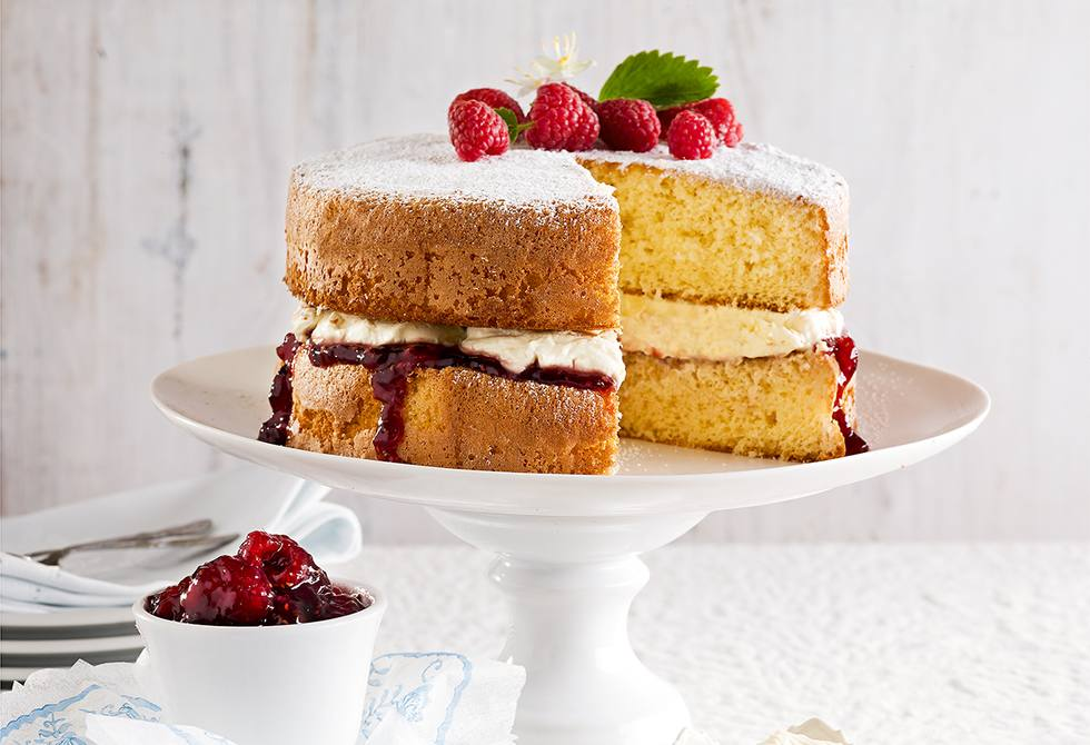Classic sponge with cream
