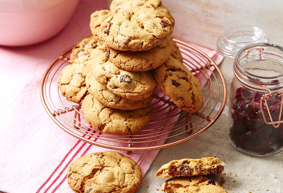 Fruit & nut choc-chip cookies