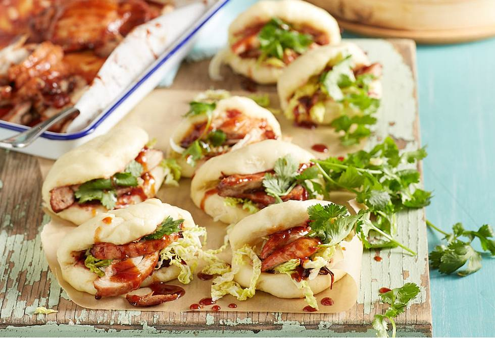 Steamed buns with char siu chicken